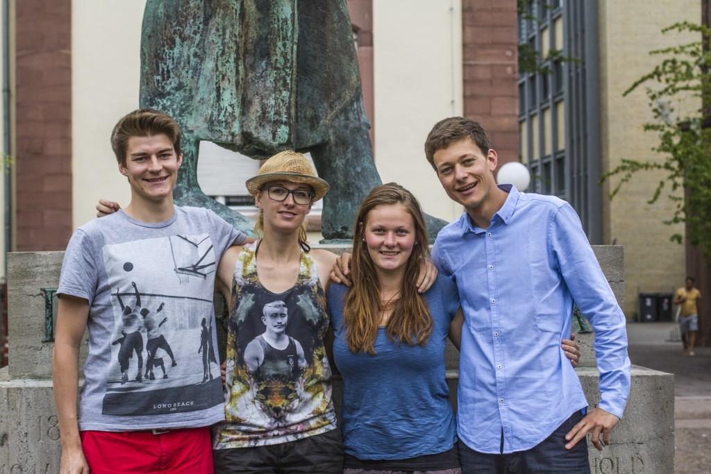 Buchprojekt von Studierenden erz?hlt vom langen Weg nach Deutschland