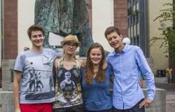 Buchprojekt von Studierenden erzŠhlt vom langen Weg nach Deutschland